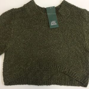 ⭐️NWT Wild Fable Olive Cropped Sweater